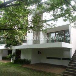 Beautiful House with Nice 3 Bedrooms at Jati Padang Area