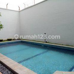 Luxury and Private House in Permata Hijau ready for rent
