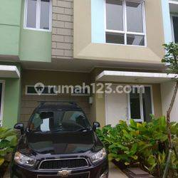 RUMAH La Bella @Arcadia Village di Gading Serpong , Tangerang  perumahan baru Gading Serpong Hunian tepi danau yang terletak di Barat kota Gading Serpong