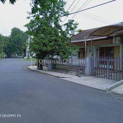 Rumah Layak huni lokasi strategis di Kutisari Indah Selatan.
