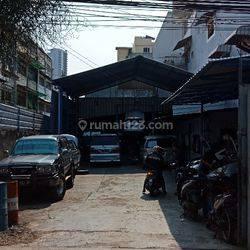 Tanah & Bangunan Murah di Pasar Baru LT 171m2, cocok untuk bengkel, usaha spareparts, atau Kost-Kostan