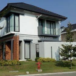 Rumah Mewah Unit pojokan di Kotabaru Parahyangan