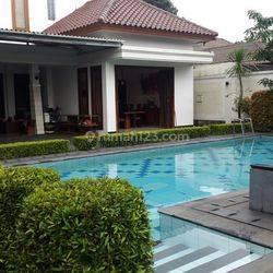 Rumah Mewah Nuansa Villa dalam Komplek Elit di Warung Jati Barat, Jati Padang, Pasar Minggu, Jakarta