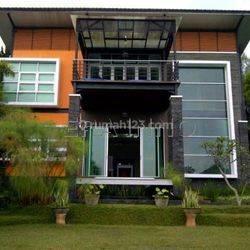 Villa Mewah Harga Menarik  View Kota Bandung Lokasi Dekat Dengan Perumahan Trinity Dekat Rumah Strawberry dan Kampung Daun