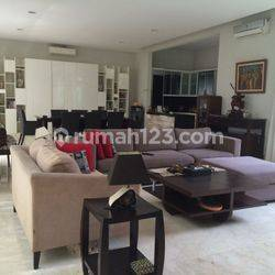 luxury and huge house for rent at Pasar minggu area
