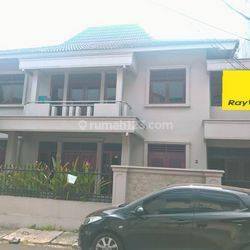 kan Rumah baru renov bisa untuk kantor di Radio dalam dekat jalan raya