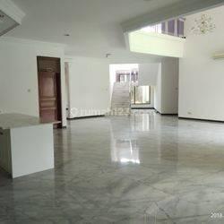 Rumah Nyaman dan Asri di Ampera, Jakarta Selatan
