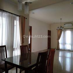 Rumah di Town House Asri Full Furniture Siap Huni Di Mampang Prapatan Pancoran Jakarta Selatan