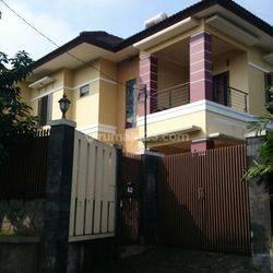 Rumah di Jalan Sarijadi Raya Bandung