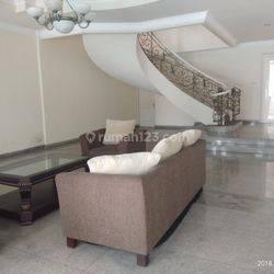 Rumah Menarik Siap Huni Harga Miring di Cilandak - Jakarta Selatan (AR/HD)