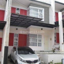 Rumah Komplek SSP Sariwangi Cozy living di Parongpong