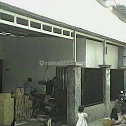 Rumah +Kontrakan dekat dengan stasiun pasar senen