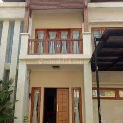 Rumah Cantik Furnish Mahendradata PAM dekat Kerobokan Kuta Badung