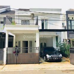 Rumah cantik di cluster bintaro sektor 1, Jakarta Selatan, Butuh uang!