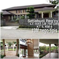 Rumah Lux Halaman Luas di Setiabudi Bandung Utara