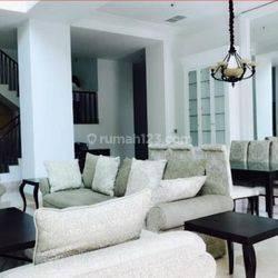 Diju4l Pakubuwono Town House, Rumah Mewah dengan 4 Lantai