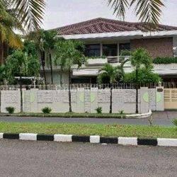 Rumah Tinggal Mewah Siap Huni Taman Kebon Jeruk Intercon Srengseng Kembangan Jakarta Barat