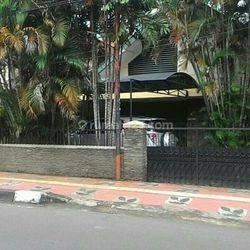 Rumah siap huni di Kebon sirih Menteng Jakarta Pusat