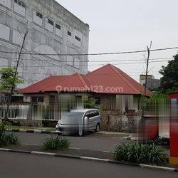 Rumah 1 lnt, di pasar baru, akses komersil, cocok hotel, restoran, dll, LT 807 m2, SHM, 32 Milyard