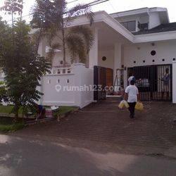 Rumah Cantik 2 lantai di Malalayang Manado