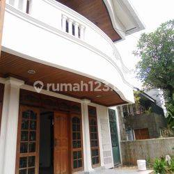 Comfortable and beautiful house In area SCBD for expatriat and others The price can be negotiable