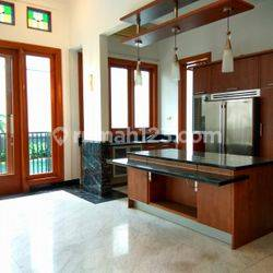 """Comfortable and beautiful house in Brawijaya area for expatriat and others \""""limited edition\"""""""