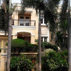 Rumah 2 Lantai di Permata Mediterania Pos Pengumbern Jakarta Barat