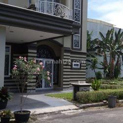 Rumah Vila Komplek Rich Mansion Citra Garden -R-0155
