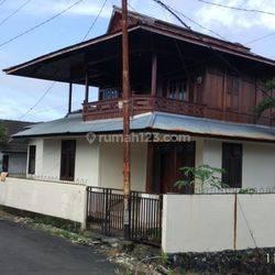 rumah cantik 2 lantai di menado