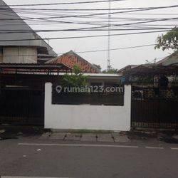 Rumah Tua 1 lantai,Lokasi Ok dan Harga Nego di Kali Baru Jakarta Pusat