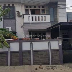 Rumah Tinggal Strategis Siap Huni Komplek DPR II Kelapa Dua Kebon Jeruk Jakarta Barat