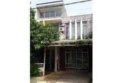 Rumah di Bukit Cimangu