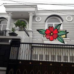 Rumah Mewah di Lokasi Strategis Jakarta Selatan