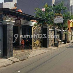 Rumah di Otista kampung melayu  Jakarta
