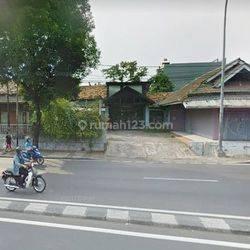 Rumah Hitung Tanah di Jalan Raya Pos Pengumben Strategis Cocok untuk Usaha / Inv