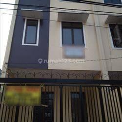 Rumah 3,8 M Keadilan Jakarta Barat