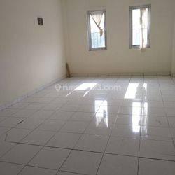 Rumah sudah renovasi dan siap huni dengan harga  rp 60.000.000 / thn jarang ada