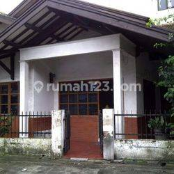 Rumah lama hitung tanah, mainroad dekat lapangan Tegallega, Prospektif utk dibangun usaha