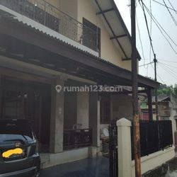Rumah di Patal Senayan Posisi Strategis