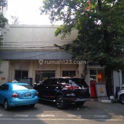 Rumah Mewah di Jl. Antara, Pasar Baru. Jakarta Pusat. Lokasi Strategis