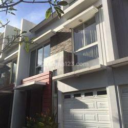 Rumah Cantik di Patal Senayan, STRATEGIS for Leasing