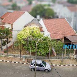 Rumah Unik 2 Lantai LT. 288 m2 Metro Permata 2 Karang Tengah Jakarta Barat