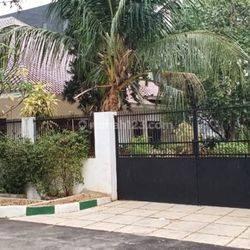Rumah hoek, strategis, murah dan jarang ada di Patal Senayan.