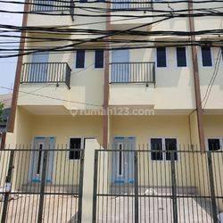 Rumah baru 3 unit di cideng