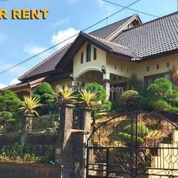 Rumah 4 Bedrooms di Jl. Sulatri Denpasar Timur
