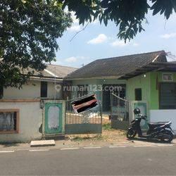 Rumah luas lingkungan kos kos an dekat jalan raya fatmawati pedurungan