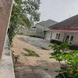 Rumah Belanda maindroad sayap Dago dekat Ke BIP -BEC Bandung