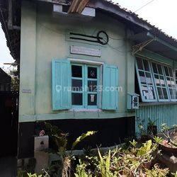 Rumah Dan Joglo Timur Alun-Alun Kidul