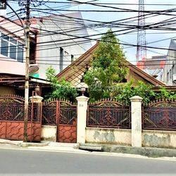 Rumah Tua Pinggir Jalan Raya Bukit Duri Tanjakan, Tebet, Jak - Sel