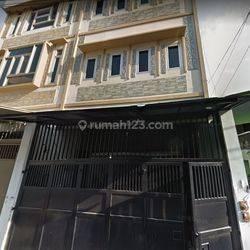 Rumah 2.8 M Hanura Tamansari Jakarta Barat